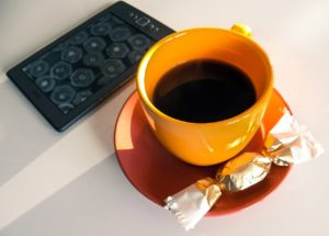 coffee kindle candy-2013945_1280
