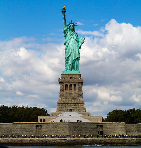 Statue_of_Liberty_from_front (1)